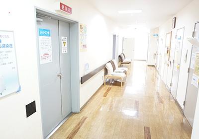 1階 診察前待合室
